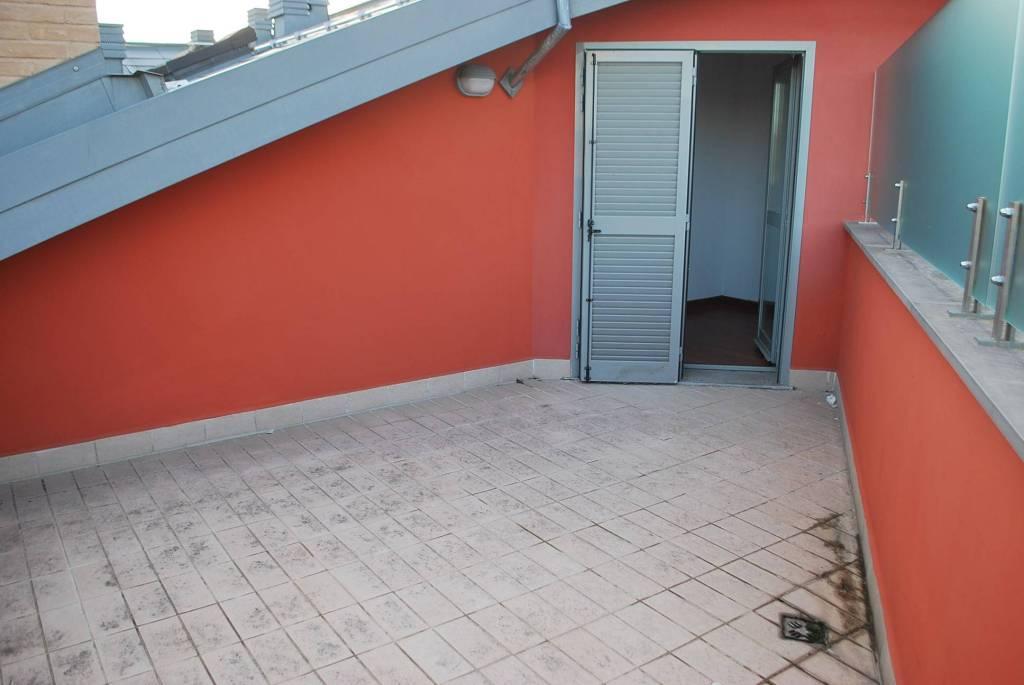 Appartamento in vendita a Alba, 5 locali, prezzo € 315.000   CambioCasa.it