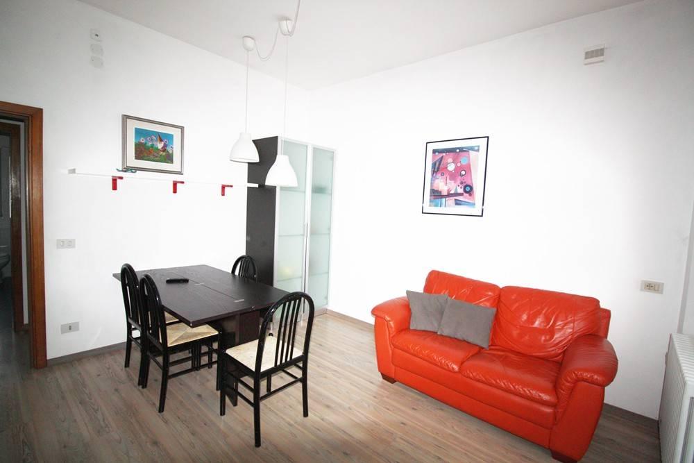 Appartamento in buone condizioni arredato in vendita Rif. 7795437