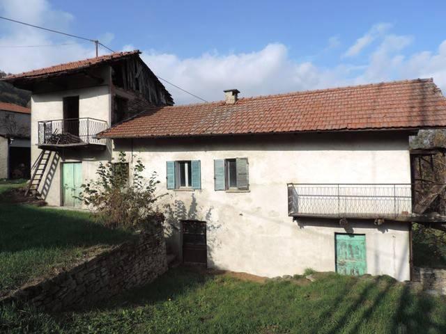 Rustico / Casale in vendita a Camerana, 9 locali, prezzo € 35.000 | PortaleAgenzieImmobiliari.it