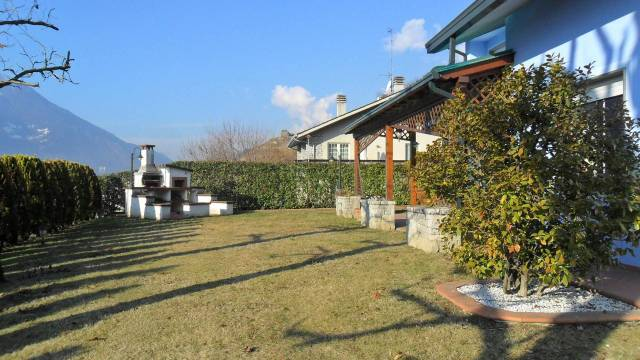 Villa in vendita a Castione Andevenno, 6 locali, Trattative riservate | CambioCasa.it