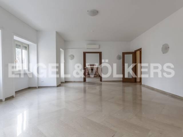 Appartamento in Affitto a Roma 04 Nomentano / Bologna: 5 locali, 185 mq