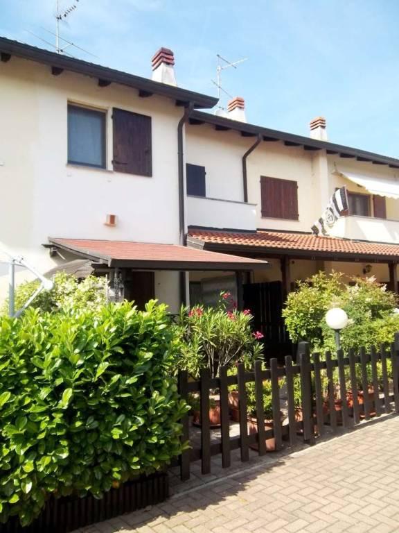 Villetta a schiera in buone condizioni in vendita Rif. 5405886