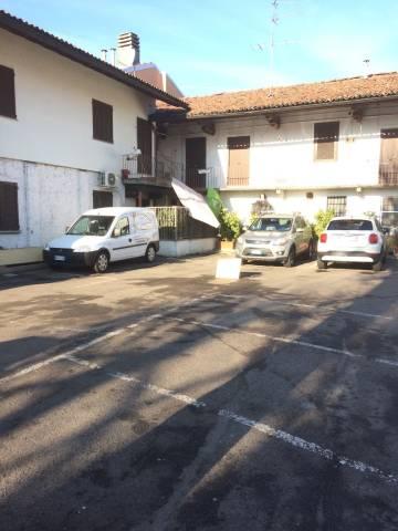 Negozio-locale in Vendita a Trezzano Sul Naviglio: 5 locali, 1000 mq