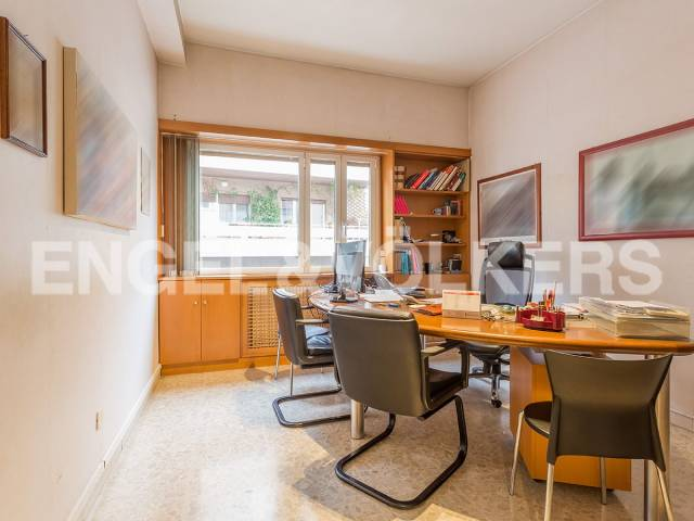 Appartamento in Vendita a Roma 33 Gregorio VII / Baldo degli Ubaldi: 5 locali, 140 mq