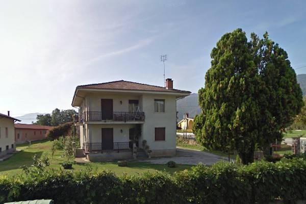 Villa in Vendita a Caraglio