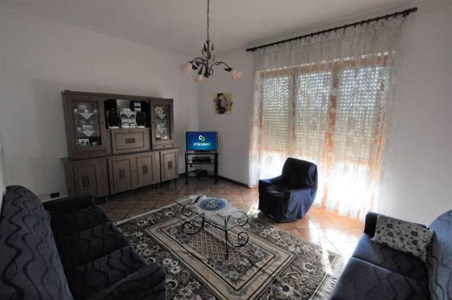 Appartamento in Vendita a Alba Semicentro: 4 locali, 100 mq