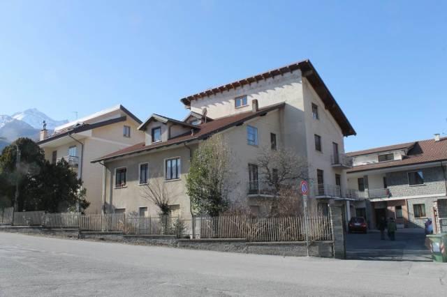 Appartamento in buone condizioni in vendita Rif. 5394326