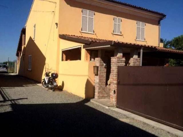 Villa in Vendita a Alessandria
