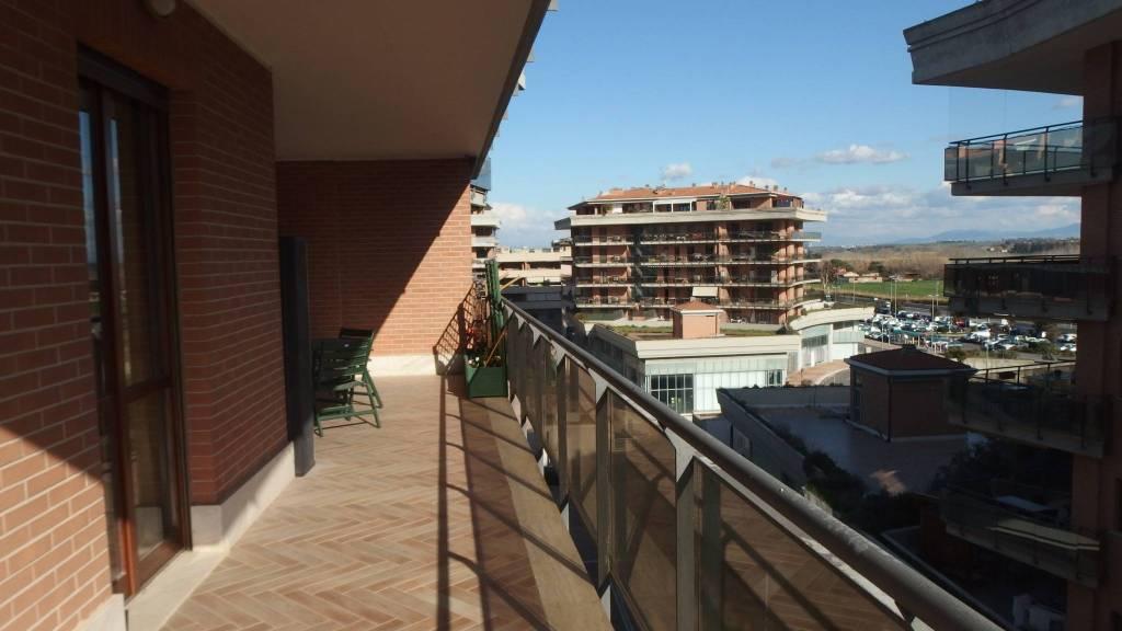 Appartamento in ottime condizioni arredato in affitto Rif. 7834143