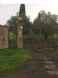Rustico / Casale in vendita a Trevignano Romano, 9 locali, prezzo € 990.000 | CambioCasa.it