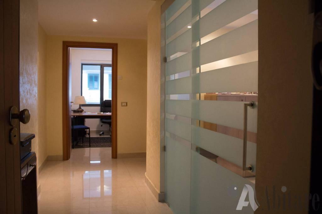Appartamento in vendita a Messina, 5 locali, prezzo € 215.000 | CambioCasa.it