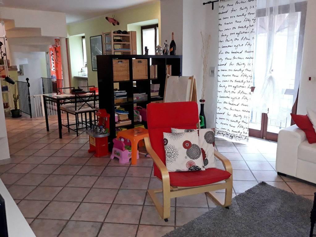 Foto 1 di Casa indipendente via Canavese 88, Balangero