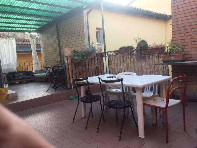 Appartamento in vendita 4 vani 100 mq.  via del Borgo di San Pietro Bologna