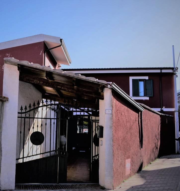 Villa in ottime condizioni parzialmente arredato in vendita Rif. 5618807