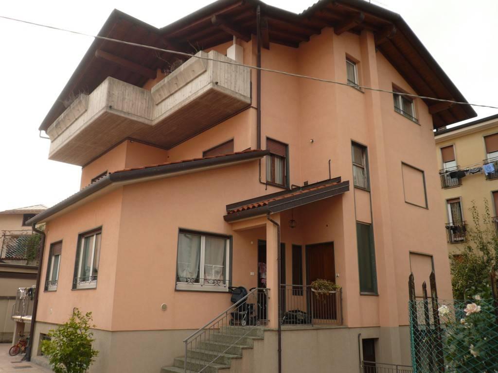 Appartamento in affitto a Bergamo, 3 locali, zona Località: SUPERSTRADA, prezzo € 700 | CambioCasa.it