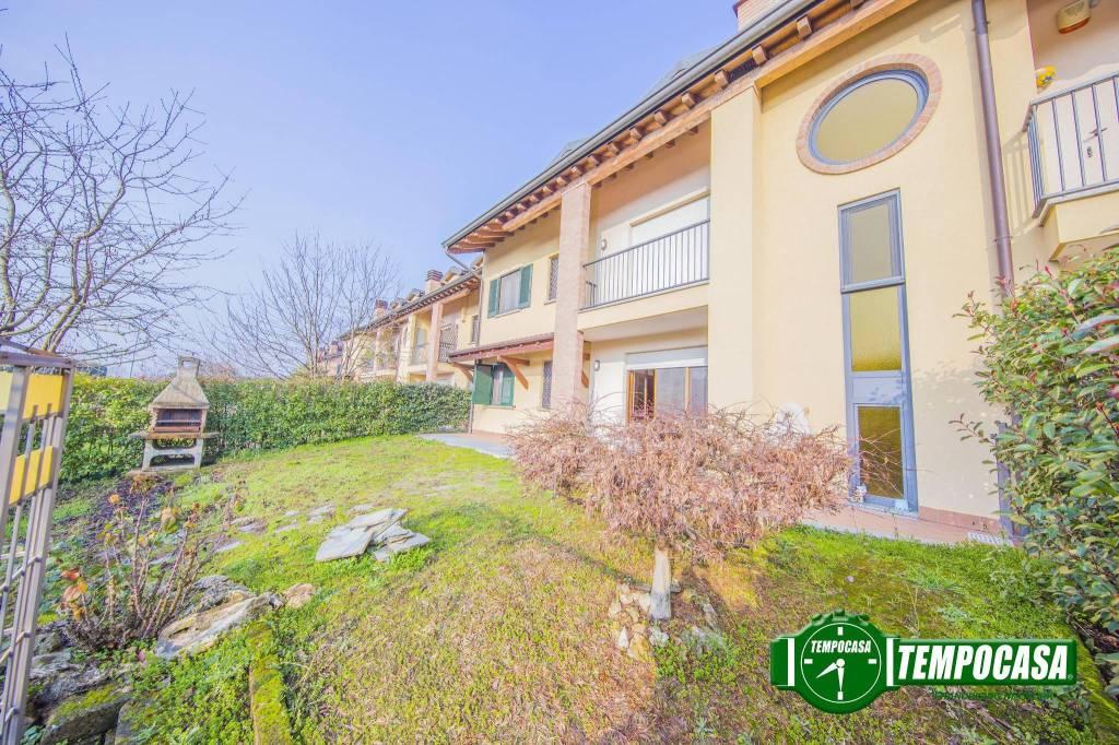 Appartamento in ottime condizioni in vendita Rif. 7792538