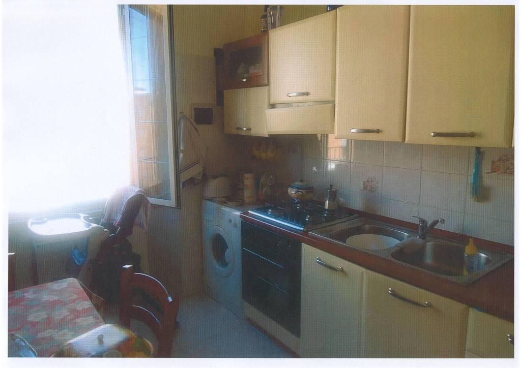 Appartamento in buone condizioni arredato in affitto Rif. 9086660
