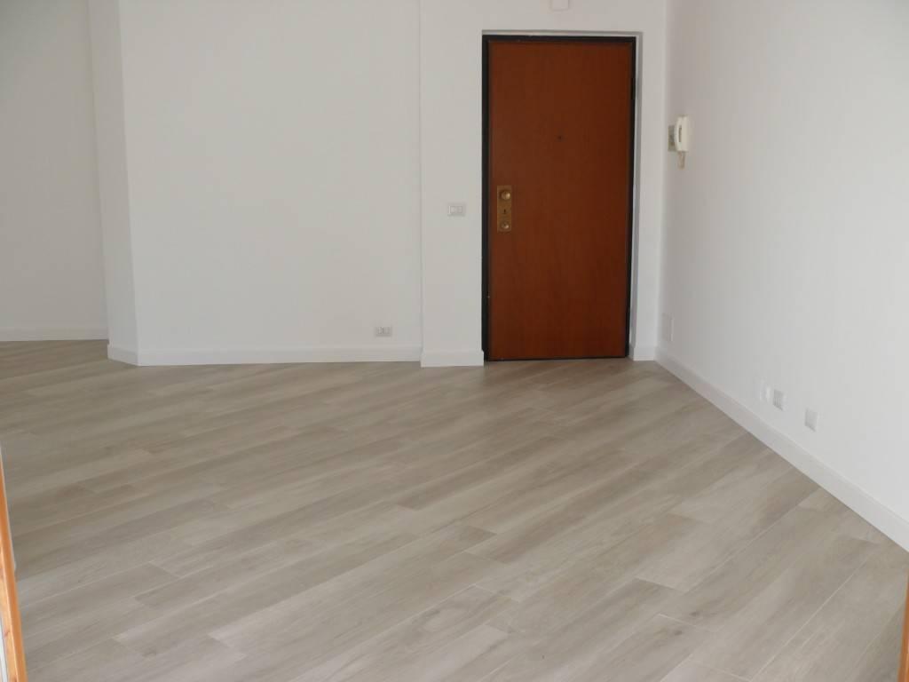 Appartamento ristrutturato zona Q5, foto 1