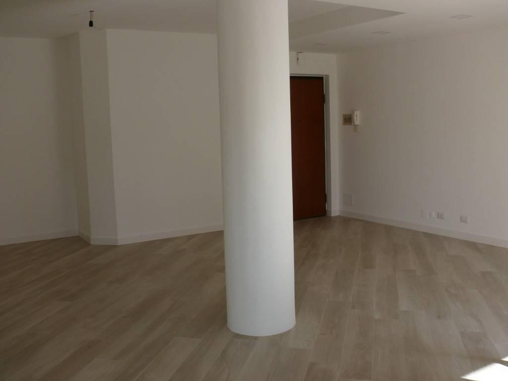 Appartamento ristrutturato zona Q5, foto 3