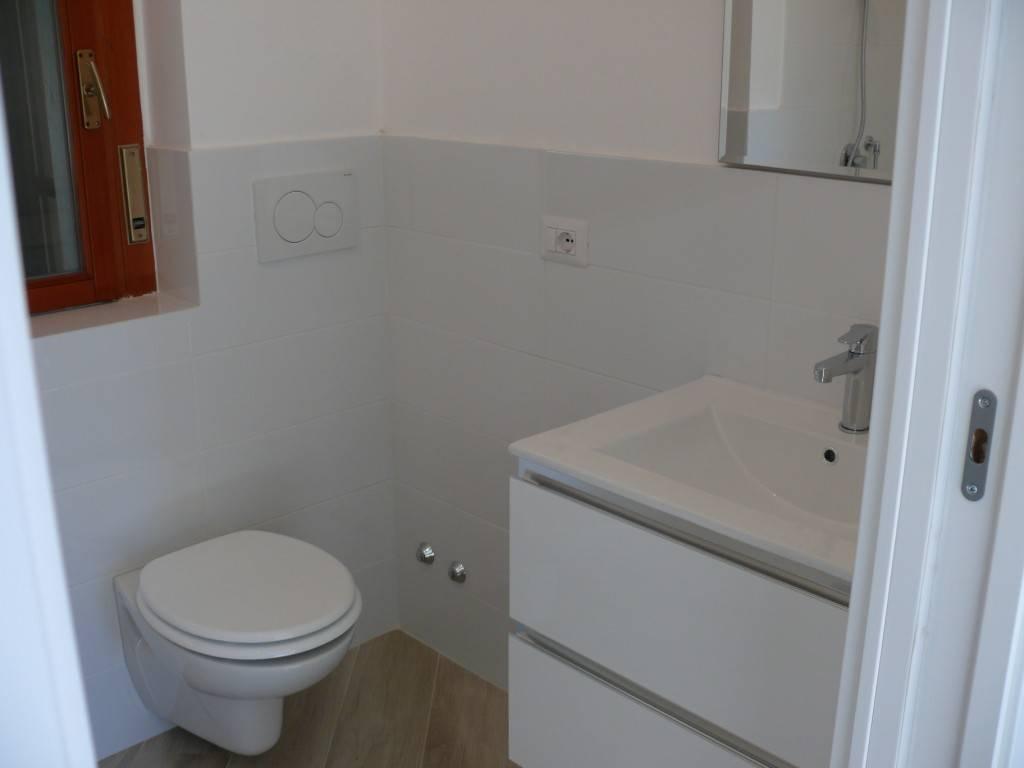 Appartamento ristrutturato zona Q5, foto 9