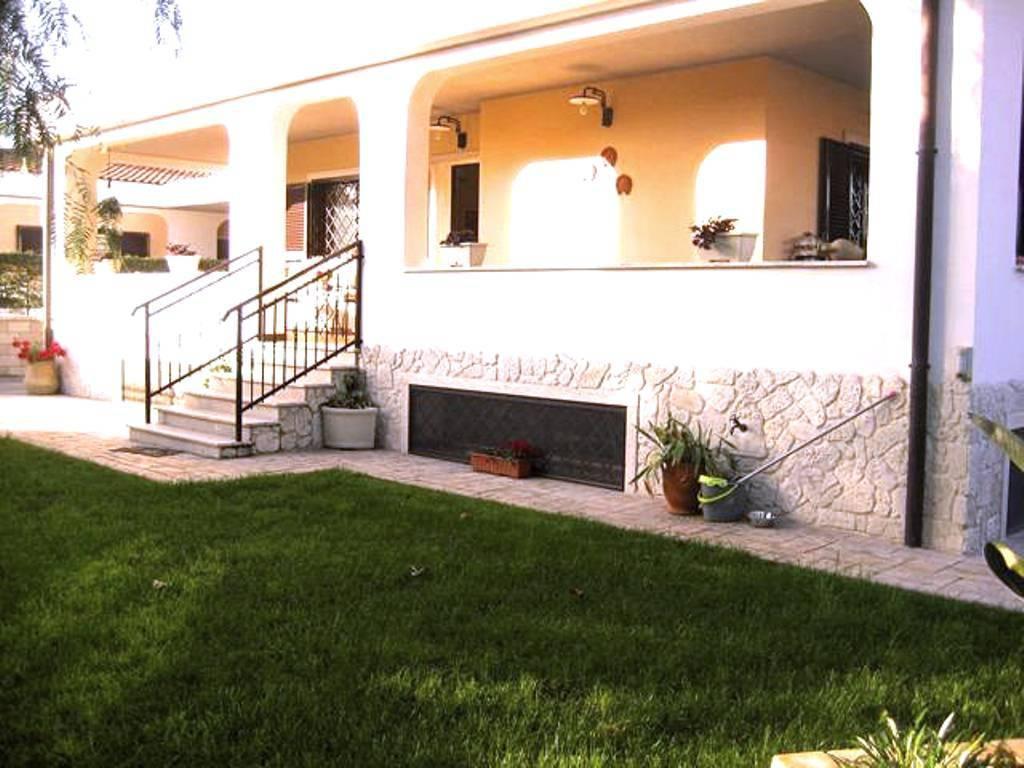 Villa in vendita a Roma, 3 locali, zona Zona: 37 . Morena - Ciampino - Trigoria - Falcognana, prezzo € 685.000 | CambioCasa.it