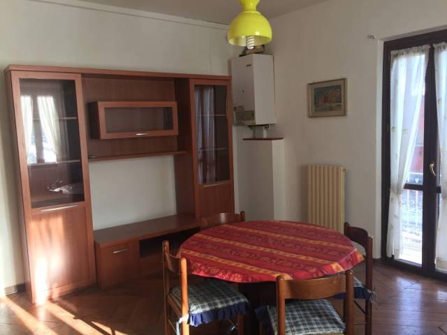 Appartamento in buone condizioni arredato in affitto Rif. 5562355