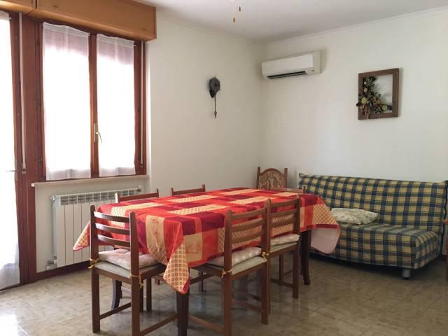 Appartamento da ristrutturare arredato in vendita Rif. 4420422