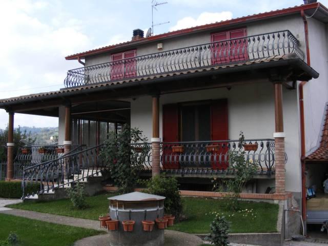 Villa trilocale in vendita a Sant'Angelo a Cupolo (BN)