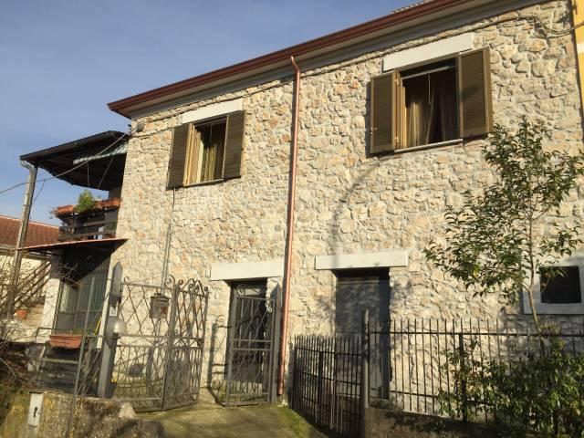 Stabile quadrilocale in vendita a Esperia (FR)