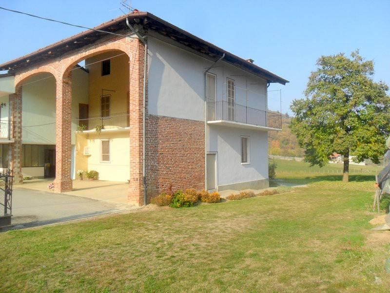 Rustico / Casale in buone condizioni in vendita Rif. 9149681