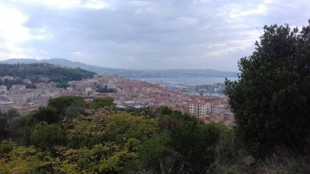 Appartamento quadrilocale in vendita a Ancona (AN)