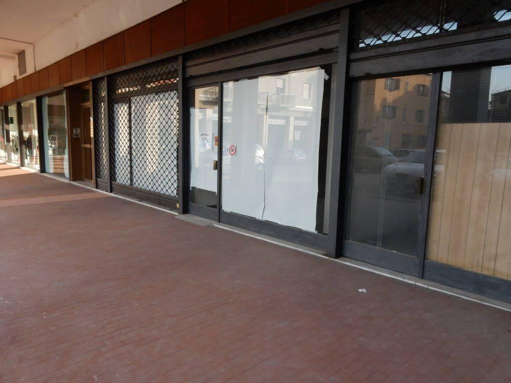 Negozio / Locale in affitto a Mondovì, 4 locali, prezzo € 700 | PortaleAgenzieImmobiliari.it