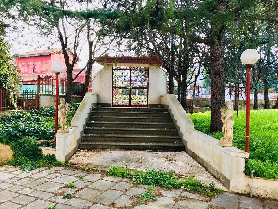Villa in buone condizioni in vendita Rif. 8802536