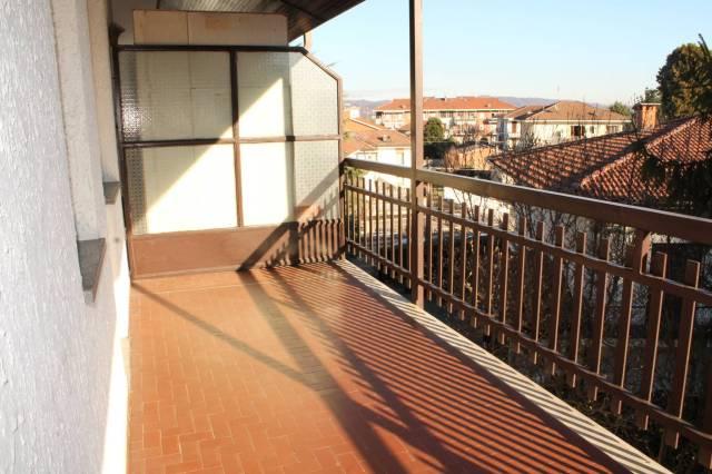 Appartamento in buone condizioni in affitto Rif. 5576063