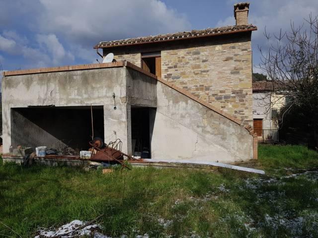Rustico bilocale in vendita a San Severino Marche (MC)