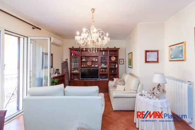 Appartamento 5 locali in vendita a Camporotondo Etneo (CT)