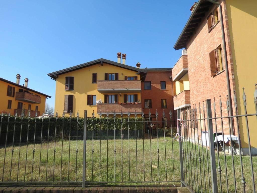 Appartamento in ottime condizioni arredato in affitto Rif. 8733565