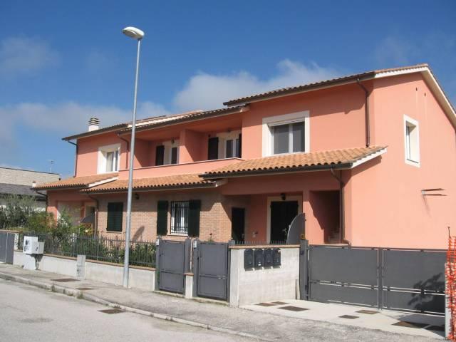 Appartamento in ottime condizioni in vendita Rif. 5594927
