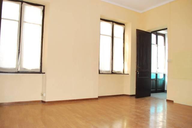 Appartamento in affitto a Verduno, 4 locali, prezzo € 400 | CambioCasa.it