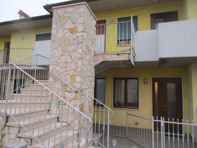 Appartamento in buone condizioni parzialmente arredato in vendita Rif. 5422491