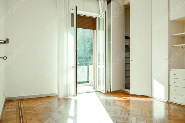 Appartamento in vendita 4 vani 85 mq.  via Giuseppe Martucci Bologna