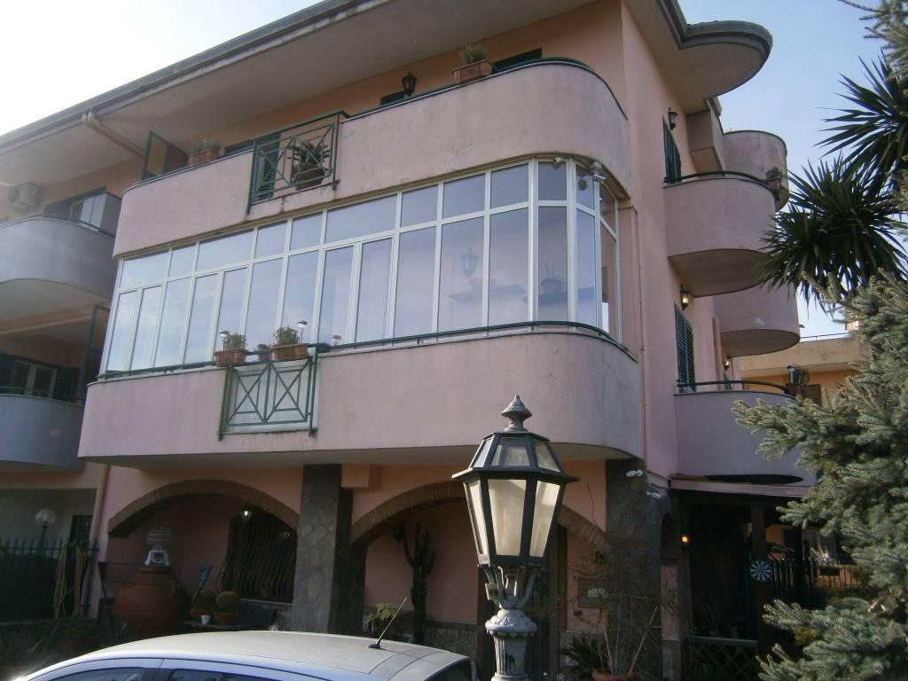 Appartamento in ottime condizioni in vendita Rif. 8549650