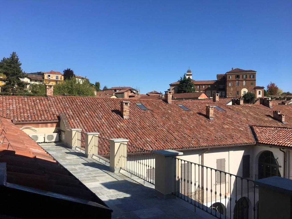 Appartamento in affitto a Chieri, 5 locali, prezzo € 1.400 | CambioCasa.it