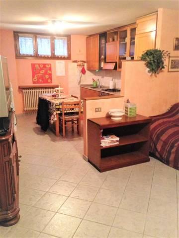 Appartamento in ottime condizioni arredato in affitto Rif. 6947780