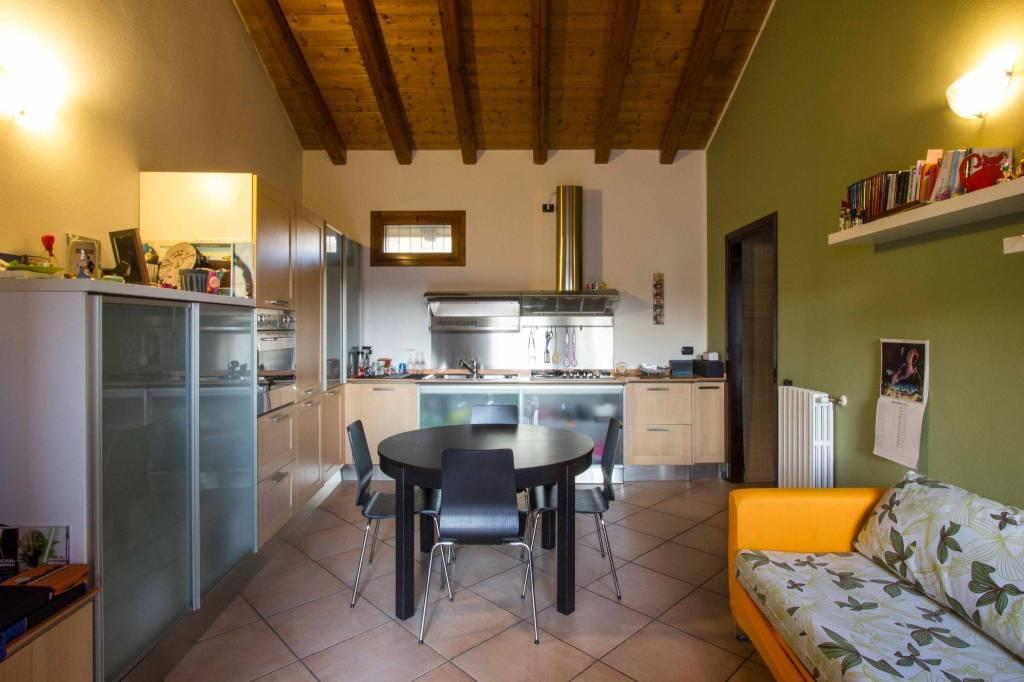 Appartamento in vendita a Crosio della Valle, 2 locali, prezzo € 85.000 | CambioCasa.it