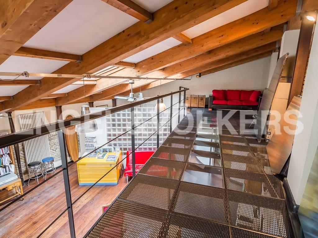 Loft open space di lusso in vendita a roma via vittor for Loft roma affitto