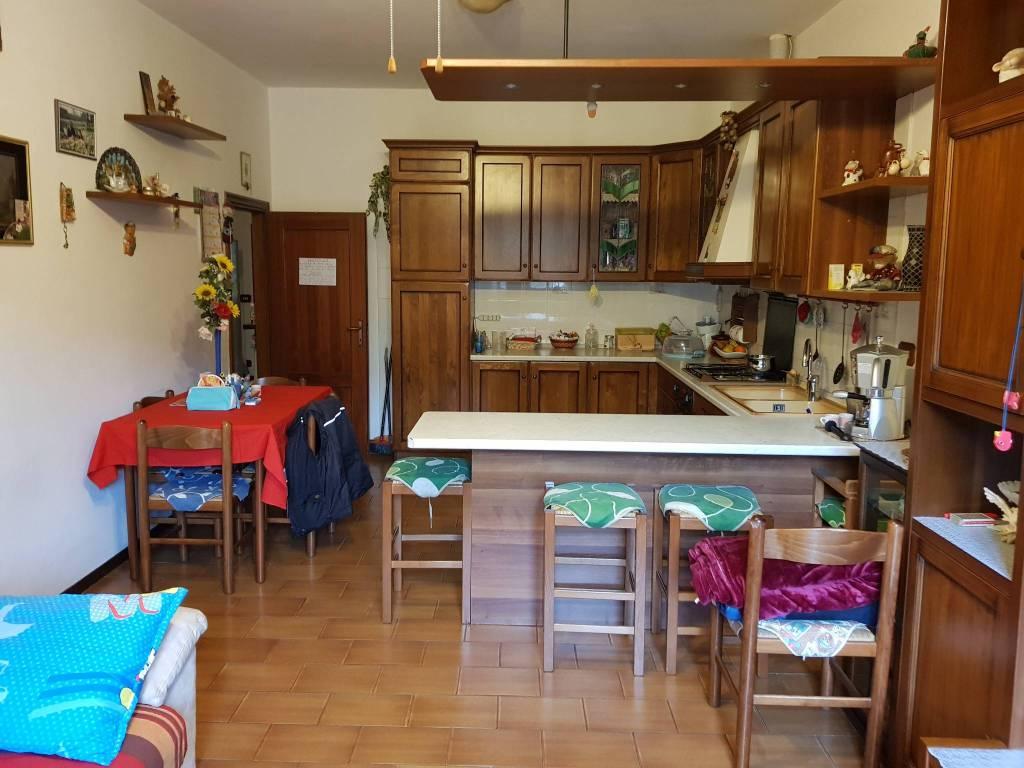 Appartamento in ottime condizioni in vendita Rif. 7768410