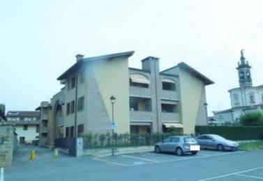 Appartamento in buone condizioni in vendita Rif. 8679665