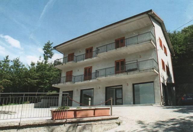 Appartamento in buone condizioni parzialmente arredato in vendita Rif. 6318963
