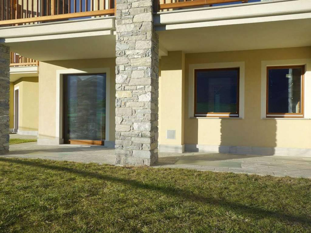 Aosta Quart – Villair, soleggiato alloggio con giardino, taverna e box